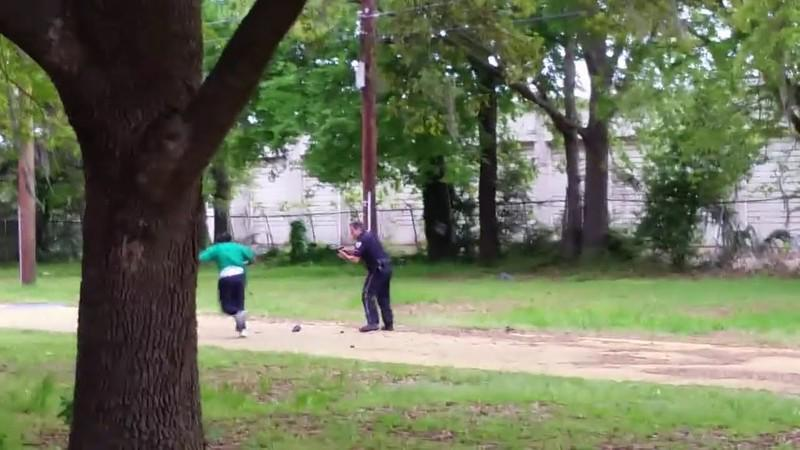 Shooting of Walter Scott by White Police Officer Michael Slager - Charged with Murder (Source YouTube)